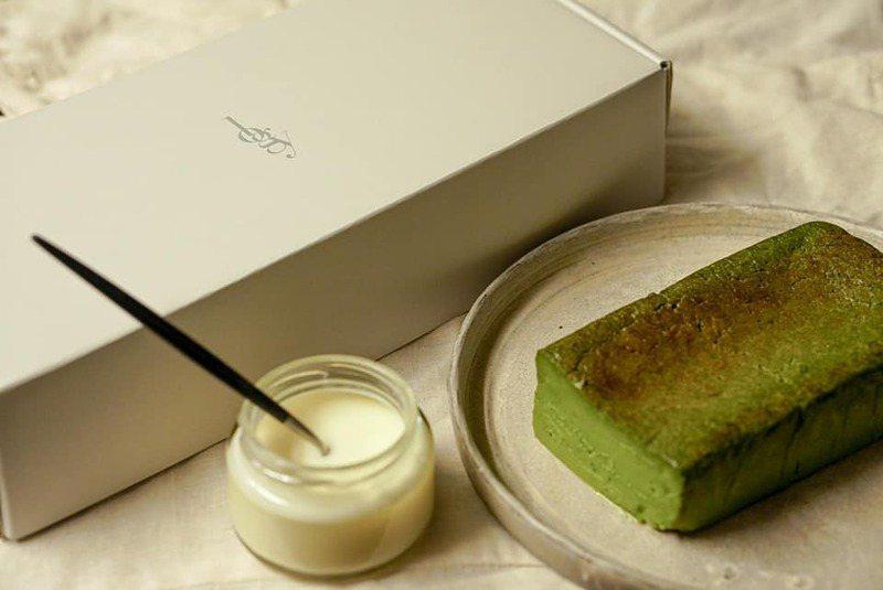 logy抹茶生巧克力蛋糕每份售價1250元。圖/摘自logy官方臉書。