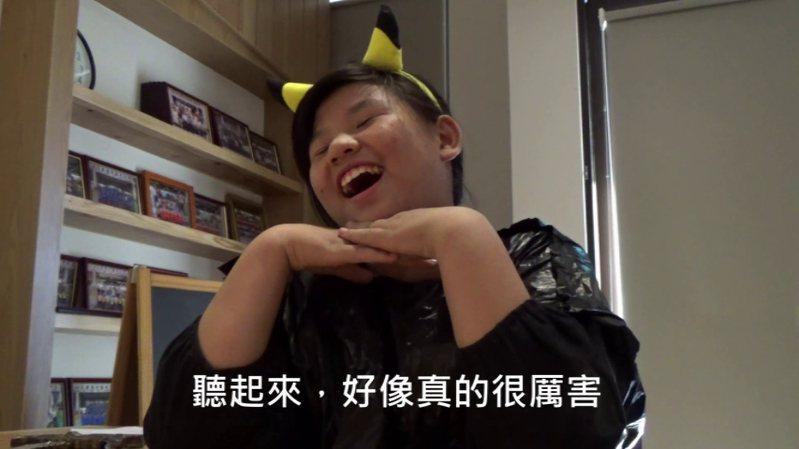 高雄市仁武區竹後國小師生製作黑色幽默喜劇短片「愛滋魔的逆襲」,榮獲教育部國小組性教育微電影比賽特優。圖/竹後國小提供