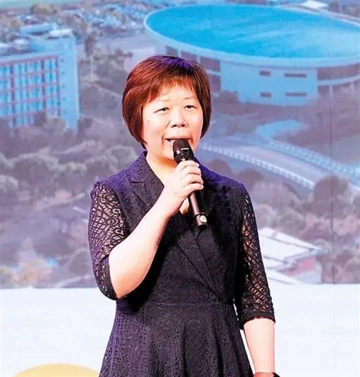 立訊精密董事長王來春,在《2021新財富女性富人榜》一舉衝上第二,寫下從工廠妹變...