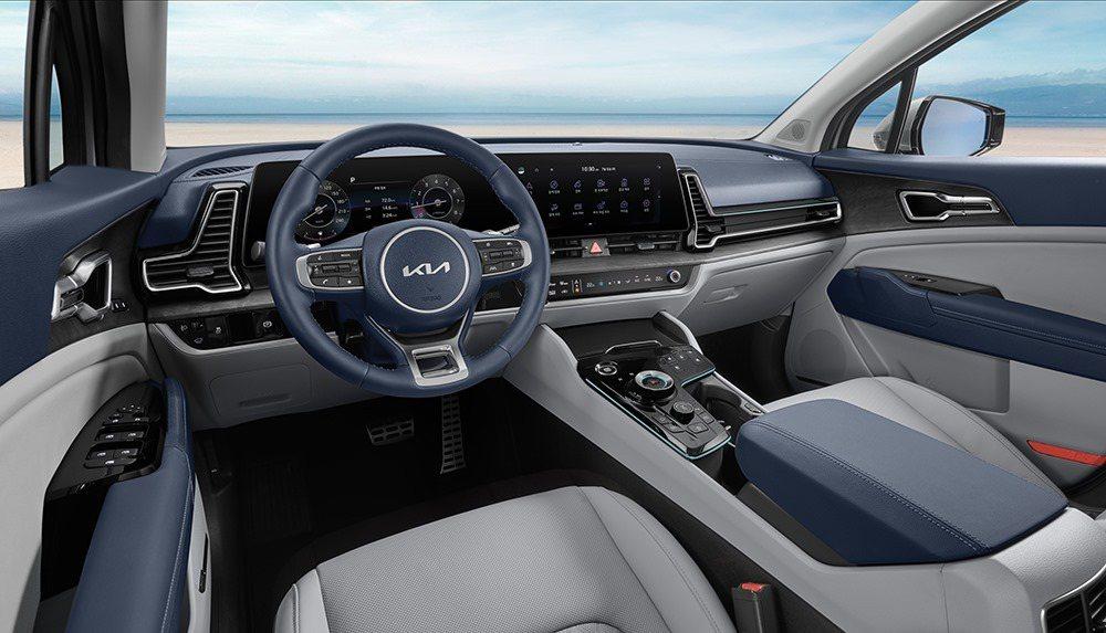 第五代Kia Sportage不僅外觀大幅度改變,就連內裝陳設也煥然一新。 摘自...