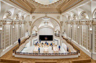 Apple在洛杉磯,開設全新Apple Tower Theatre。圖/Foster + Partners提供