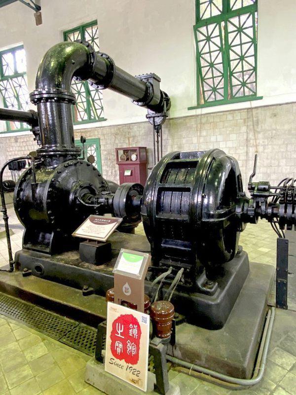 由日本荏原公司製造的抽水機,全世界只剩一台,是鎮館之寶,今年99歲。 圖/泰國劉...