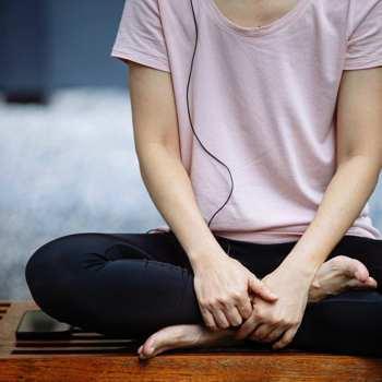 疫情讓你焦慮,建議應靜心讓自己安穩,重拾內心平和穩定。/圖片來源:pexels
