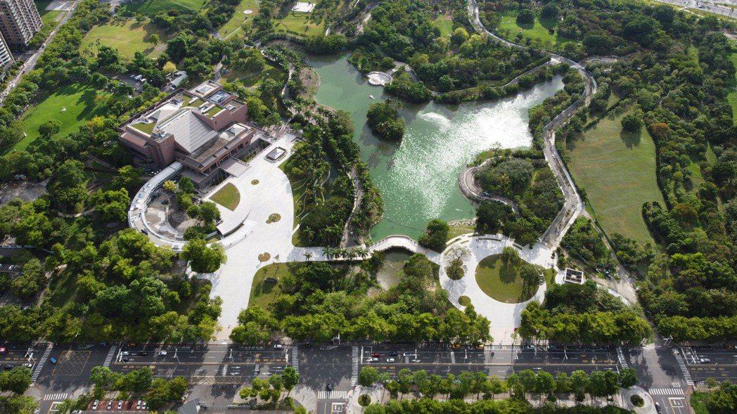 40公頃園區的高美館,打造「一日遊的藝術生態園區」。 圖/高雄市立美術館提供