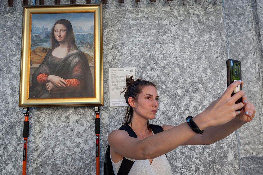 達文西學派《蒙娜麗莎》,在街頭遇見博物館經典,讓人不禁想拍照分享。 ©Museo...