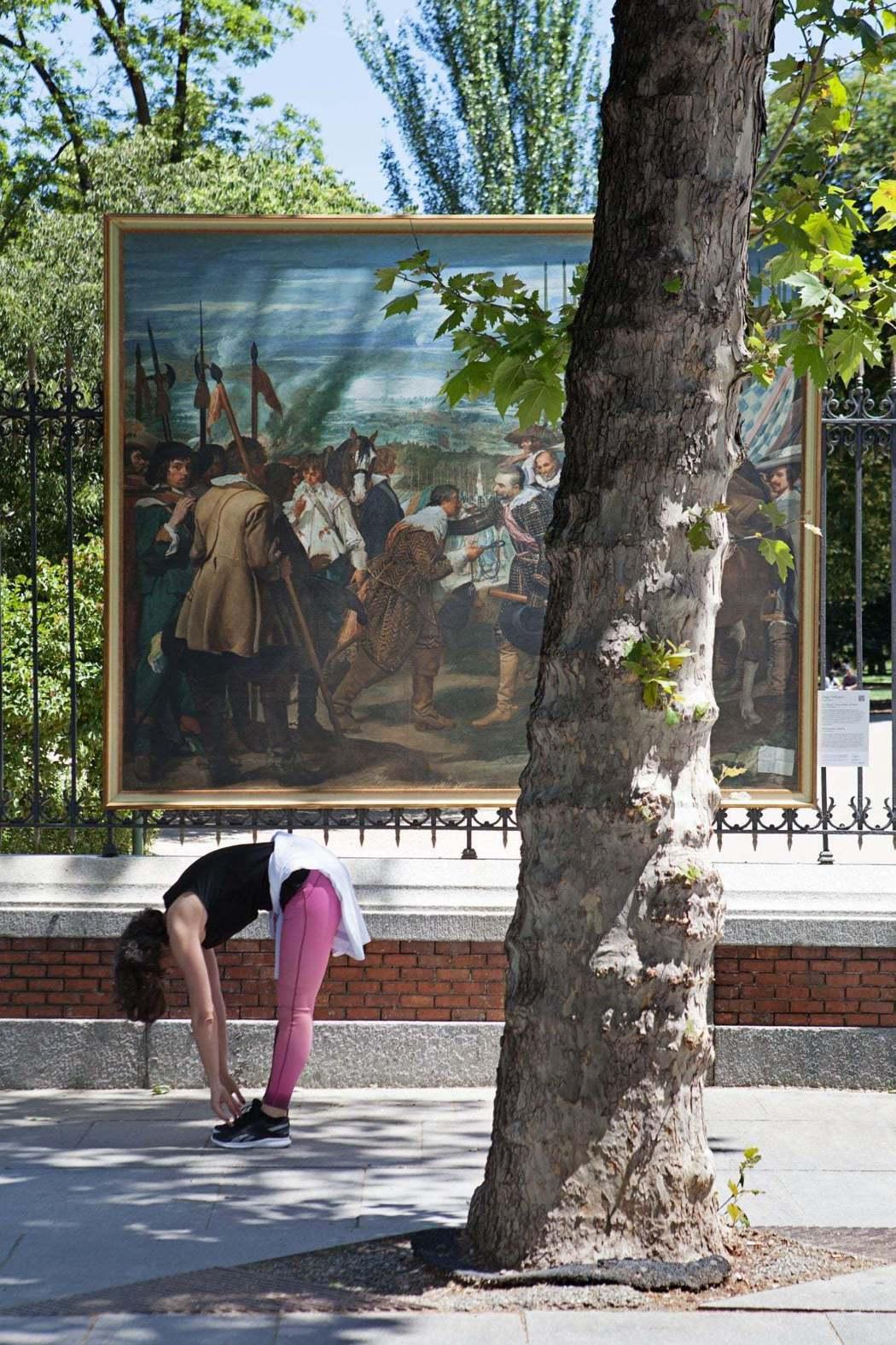 維拉斯奎茲《佈列達的投降》,懸掛於退休公園外圍欄。 ©Museo Naciona...