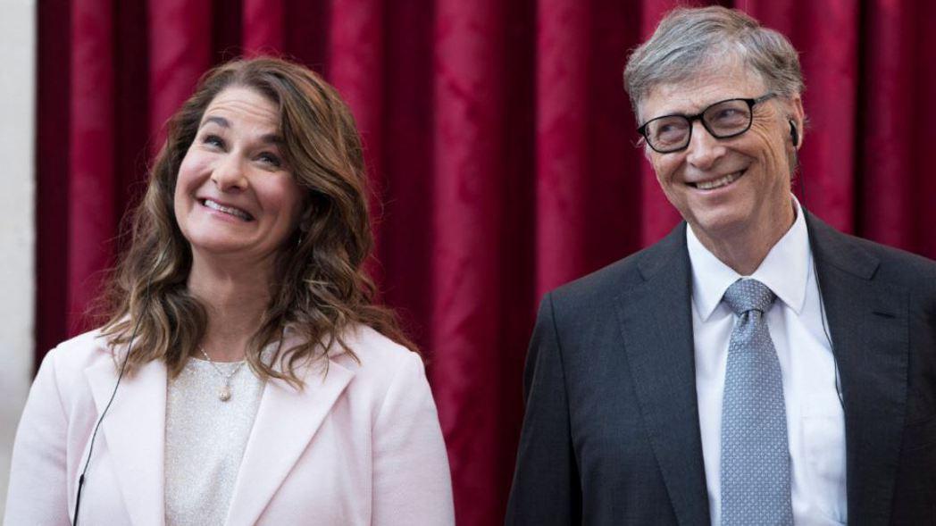 微軟創辦人蓋茲(右)與前妻梅琳達。 路透
