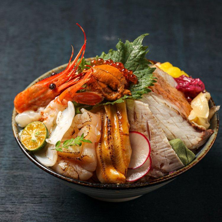 晶華極上炙燒散壽司,快閃優惠價每份980元。圖/台北晶華提供