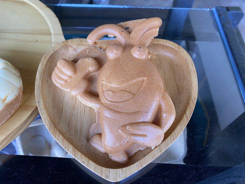 泰國蝦雞蛋糕「潮蝦燒」,顛覆大家對雞蛋糕的視覺與味蕾。記者劉星君/攝影