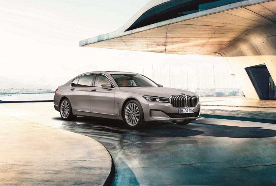 全新BMW 7系列Diamond Edition完美詮釋極致奢華,智慧雷射頭燈擁...