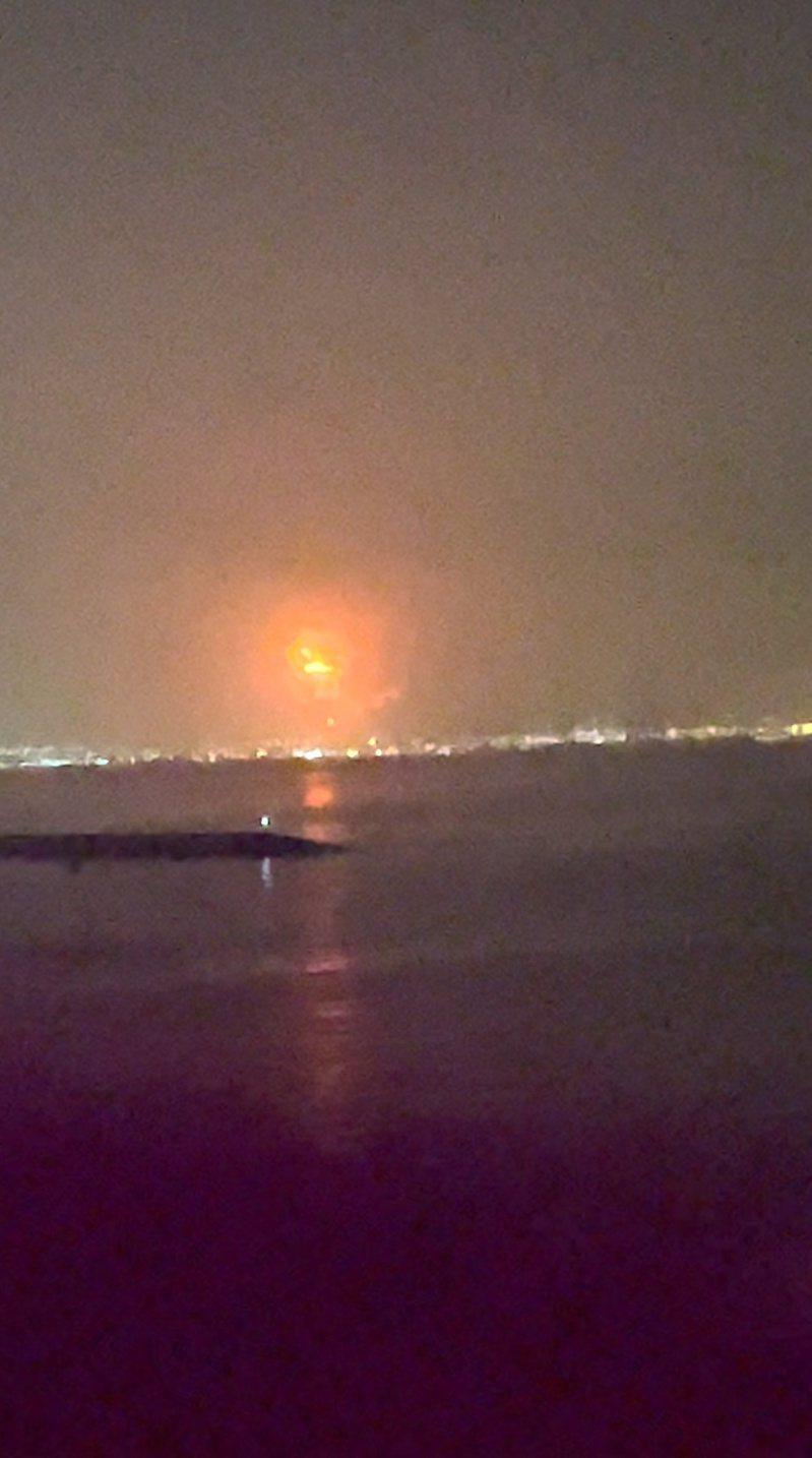 阿聯酋杜拜主要港口傑貝阿里港周三(7日)深夜發生大爆炸。 路透社
