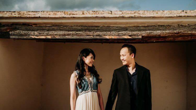 尹嘉萱宣布已結婚4年,老公(右)是黃立成的表弟。圖/摘自臉書