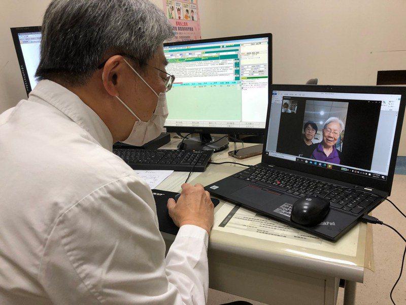 醫院透過視訊為病患遠距看診。圖/聯合報系資料照片
