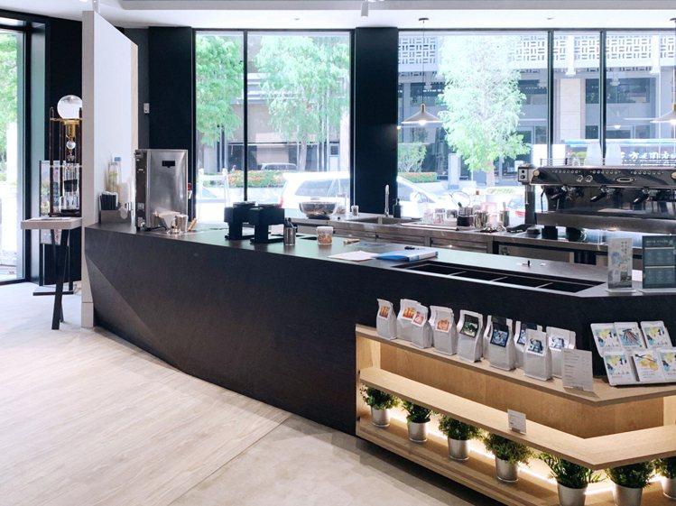 奎克咖啡台中惠中店新開幕推優惠。圖/奎克咖啡提供