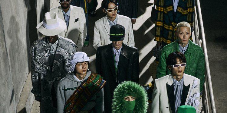 路易威登推出2021秋冬男裝系列時裝秀影片,這次場景轉移到首爾,由BTS團員們和...
