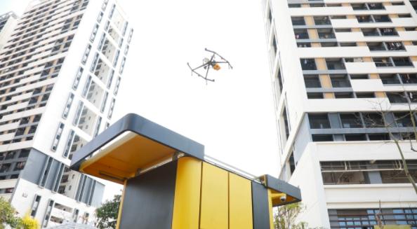 大陸外賣配送巨頭美團研發無人機設備,並與上海市金山區建立戰略合作關係,可提供3公里、15分鐘的標準配送服務。照片/澎湃新聞