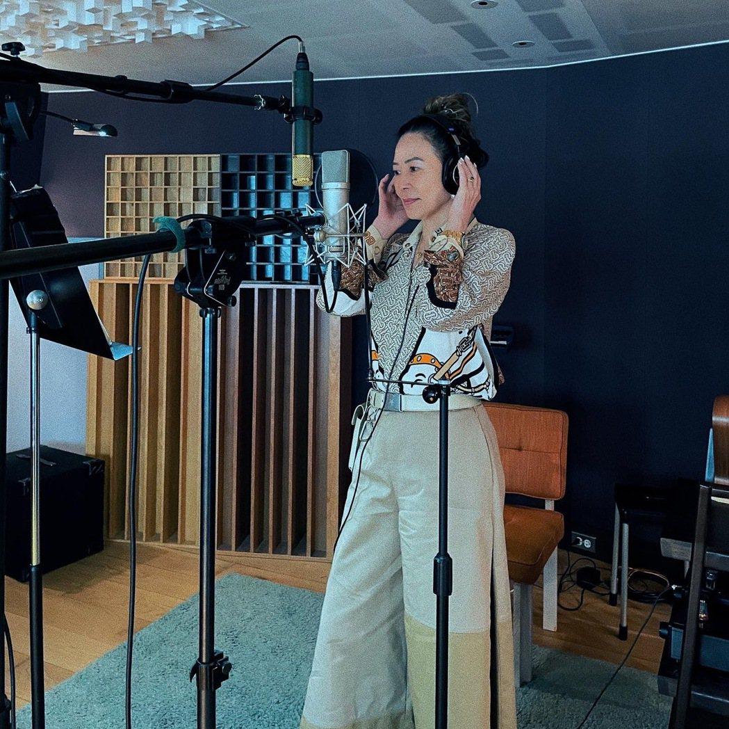 蔡詩芸的媽媽首次獻唱。圖/瑩音樂提供