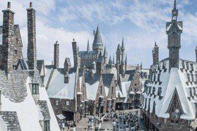 直擊!全球最大環球影城打造獨家功夫熊貓主題樂園 神還原「霍格華茲魔法學院」