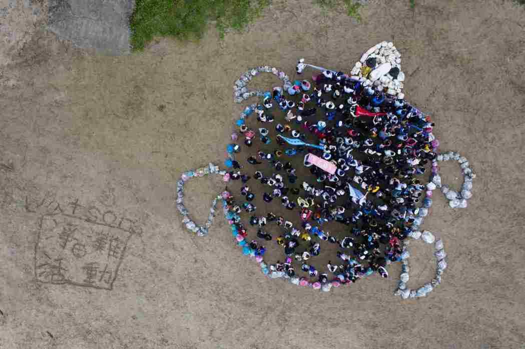 屈臣氏員工淨灘活動五年來清除超過5,500公斤的垃圾量。 圖/屈臣氏提供