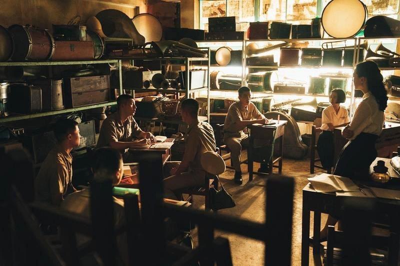 以白色恐怖時代為背景的電影《返校》,其中的讀書會場景。 圖/影一製作所