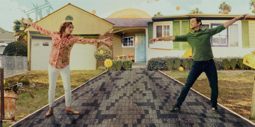 喬瑟夫高登李維再度施展魅力演出「柯曼老師」。圖/APPLE TV+提供