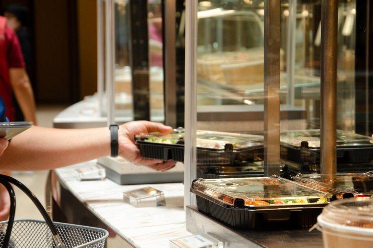 台北喜來登十二廚變身「大販店」,餐盒超熱賣。圖/台北喜來登提供