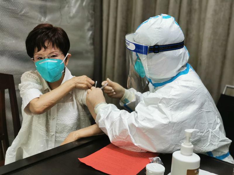 國民黨前主席洪秀柱昨在臉書表示,已在浙江接種新冠疫苗。圖/取自洪秀柱臉書