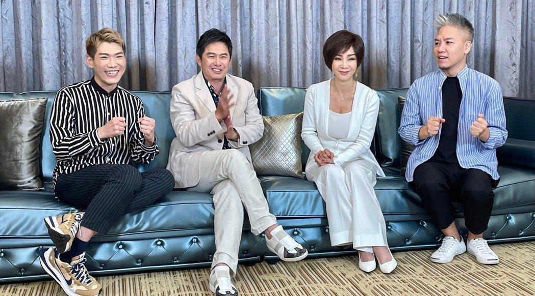 洪都拉斯(左二)和陳美鳳(左三)大談秀場趣事。圖/民視提供