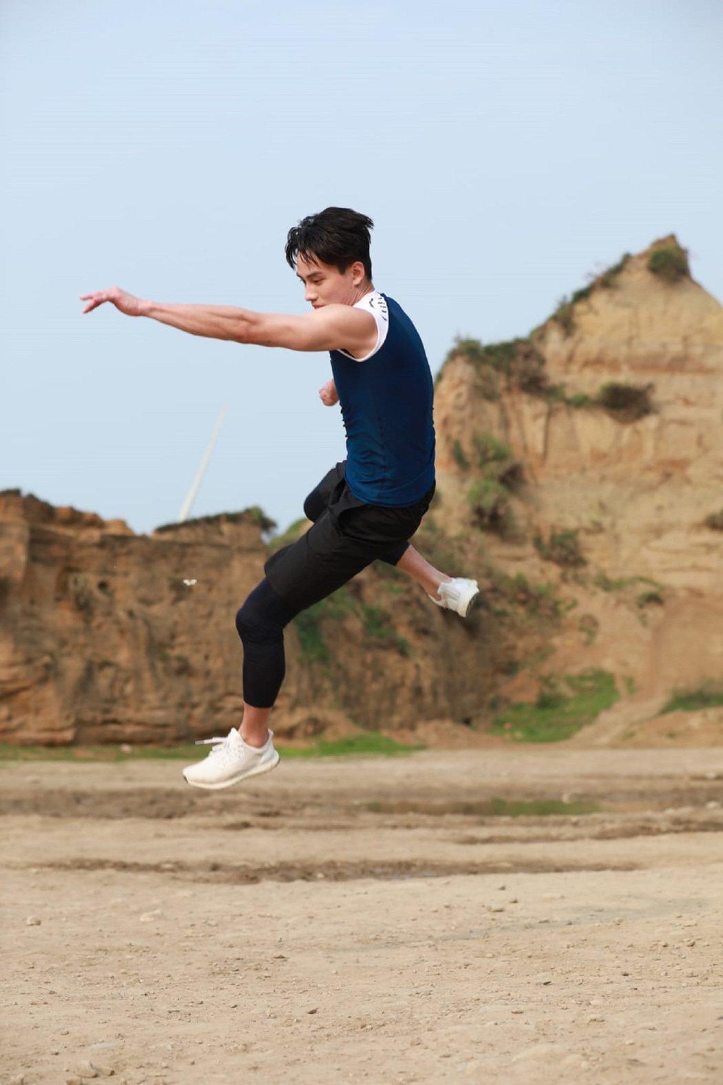 范少勳為最新廣告展現發達的運動神經。圖/舒跑Super S提供