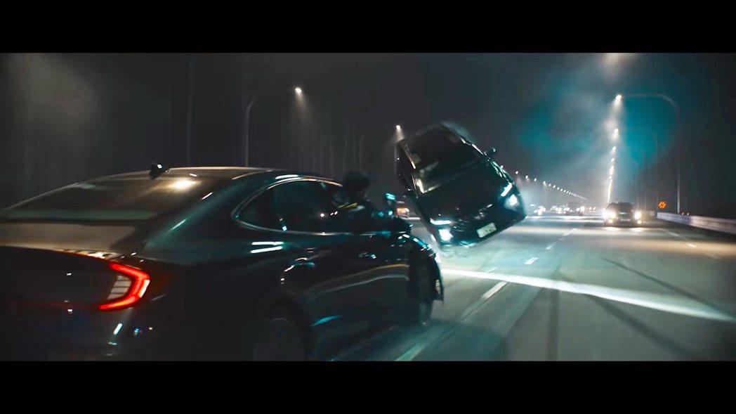 Hyundai Santa Fe也現身《特種部隊:蛇眼之戰》(飛起來的那台)。 ...