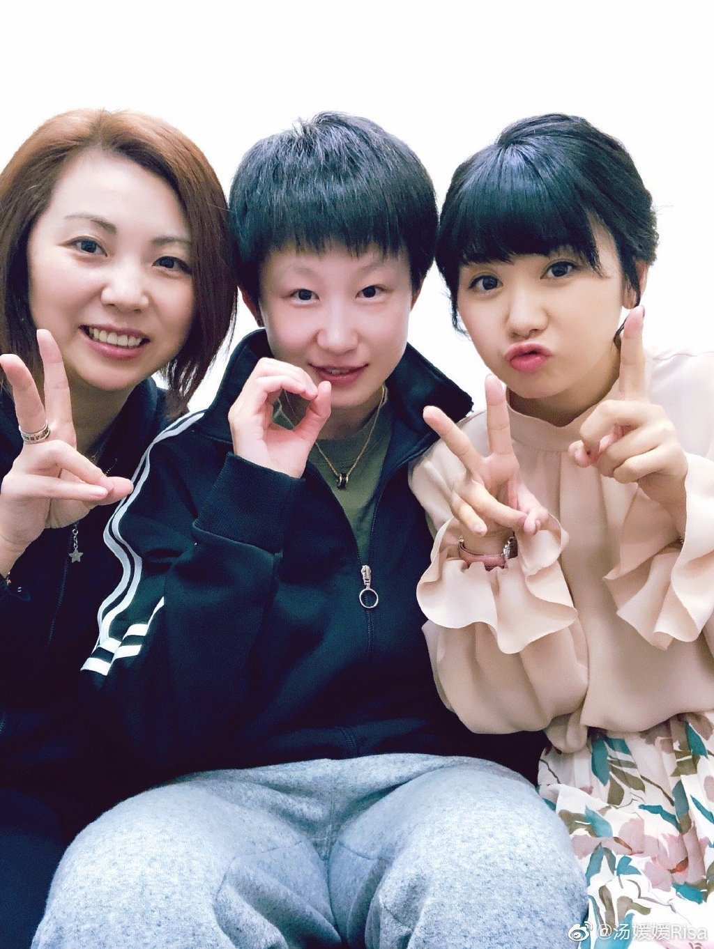 湯媛媛(左起)、金惠美以及福原愛是多年好友。圖/摘自微博