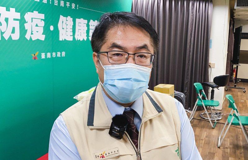針對餐廳開放內用掀論戰,台南市長黃偉哲今表示要開會研商。記者鄭維真/攝影