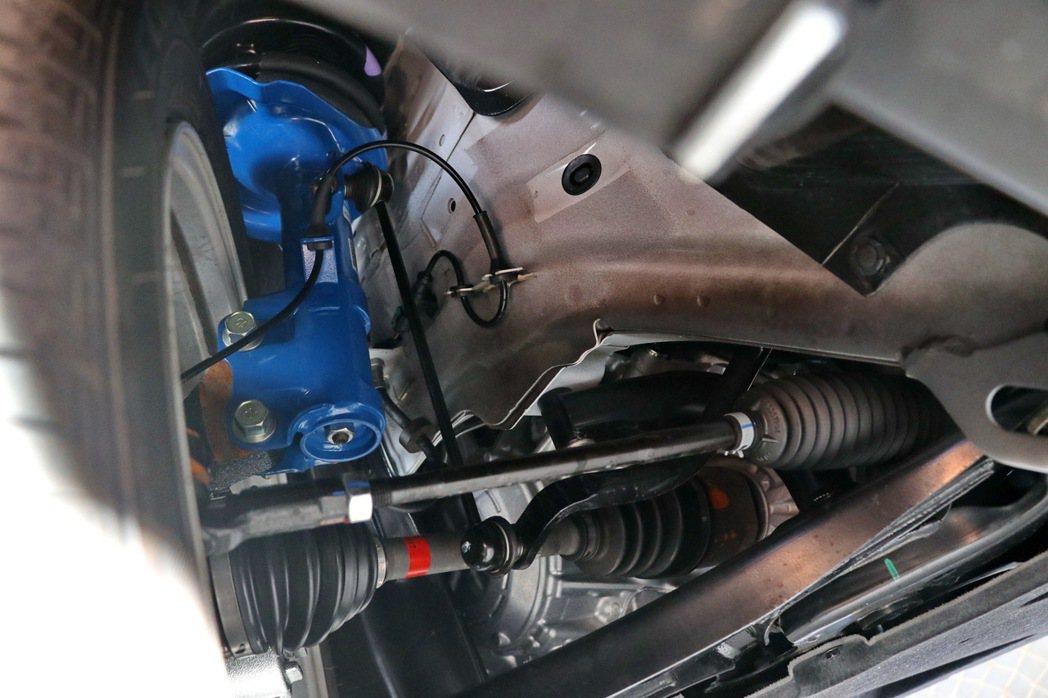 U6 GT藍調倍適版升級搭載了知名大廠Bilstein倍適登的避震器。 記者陳威...