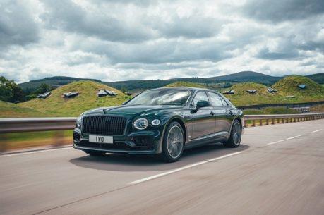 2022 Bentley Flying Spur追加plug-in Hybrid V6動力 成為車系中省油王!