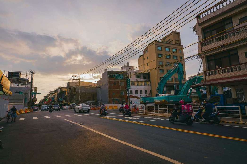 新竹市府推動公道三新闢道路工程,目前工程進度達40%。圖/新竹市政府提供