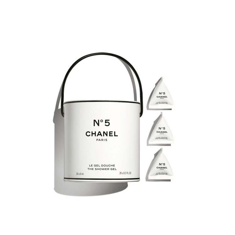 香奈兒5號工場油漆筒沐浴乳/20x6ml/2,460元。圖/香奈兒提供
