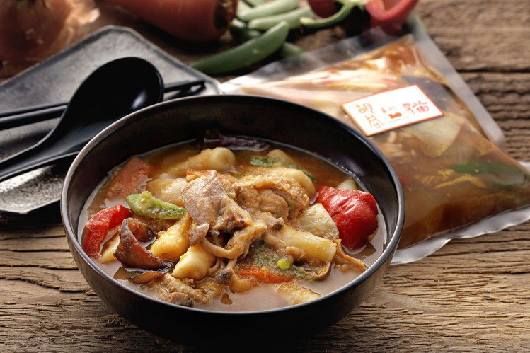安東雞韓式年糕,重現韓國經典美食。圖/胡同提供
