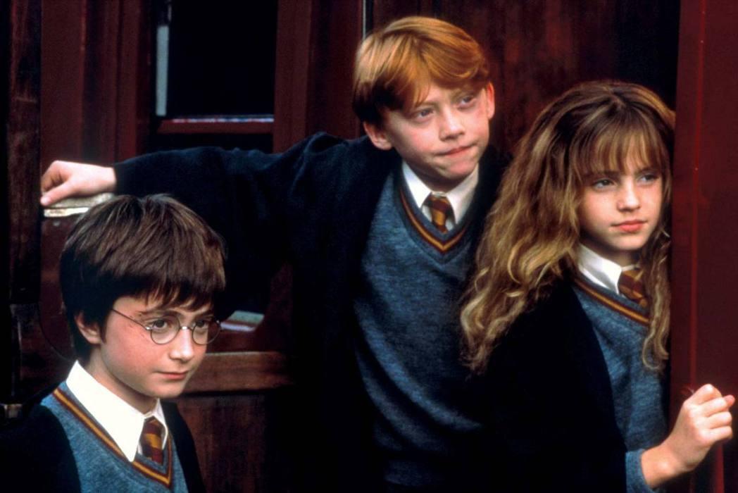 丹尼爾雷德克里夫(左起)、魯伯葛林特、艾瑪華森演出「哈利波特」首集時都還是小童星
