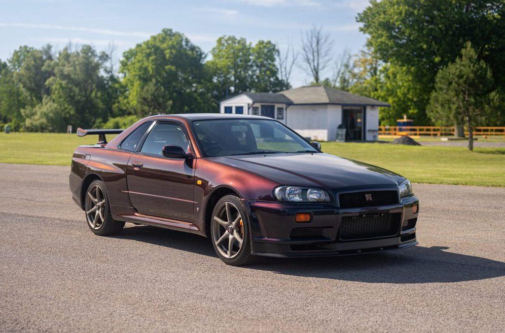Nissan Skyline GT-R V-Spec Midnight Purp...