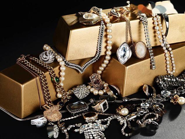 珠寶,自今年以來成長為抖音直播間的熱門帶貨類目,引得不少主播入場。但以「薅羊毛」為誘餌的珠寶主播,能走多遠?(鈦媒體)