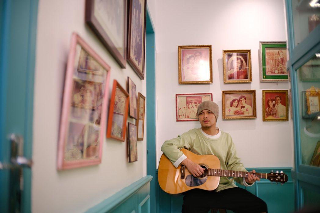 黃明志推出新歌「我成長的地方」。圖/亞洲通文創提供