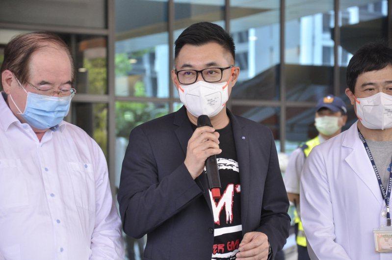 國民黨江啟臣認為如果民進黨去年早點拋棄意識形態把疫苗買到手,也不會讓大家在現在過得那麼辛苦。記者張哲郢/攝影