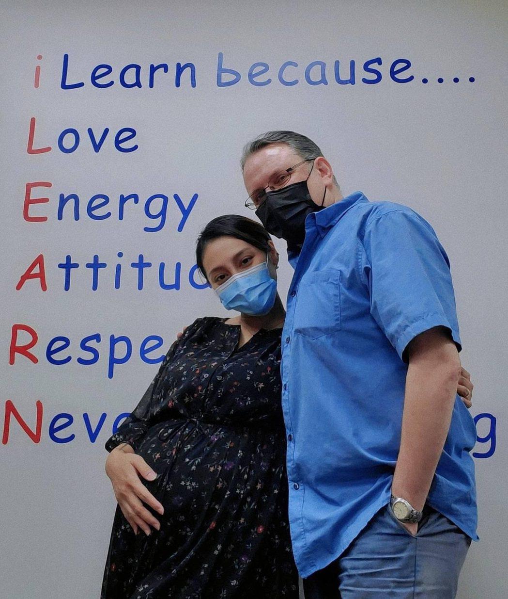 葉瑋庭(左)希望加拿大籍老公Russell也能盡快接種疫苗。圖/星光娛樂提供