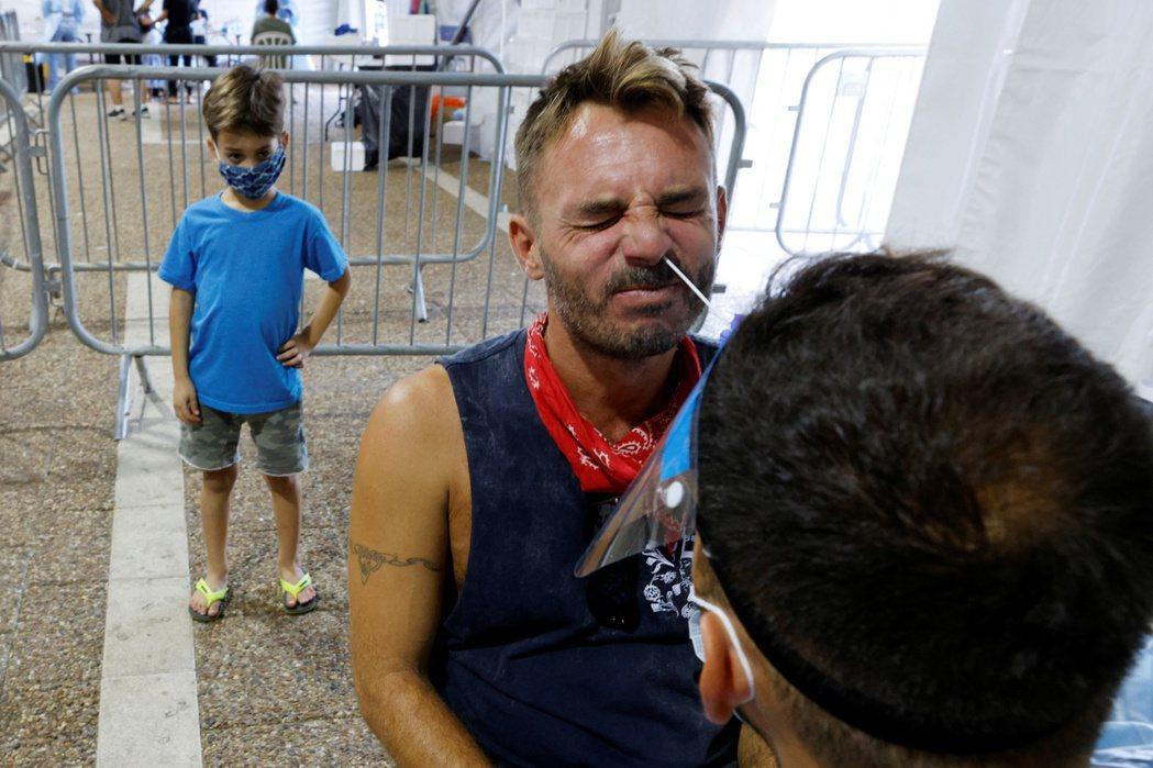 除了第3劑疫苗的搶先施打之外,以色列政府預期也將在近日啟動「12歲以下兒童」接種...