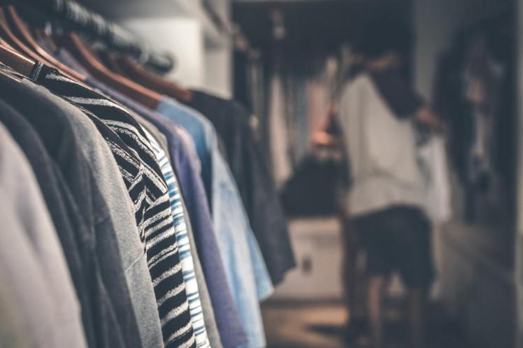 尺寸不合的衣服,留著也不會穿。圖/摘自Pelexs