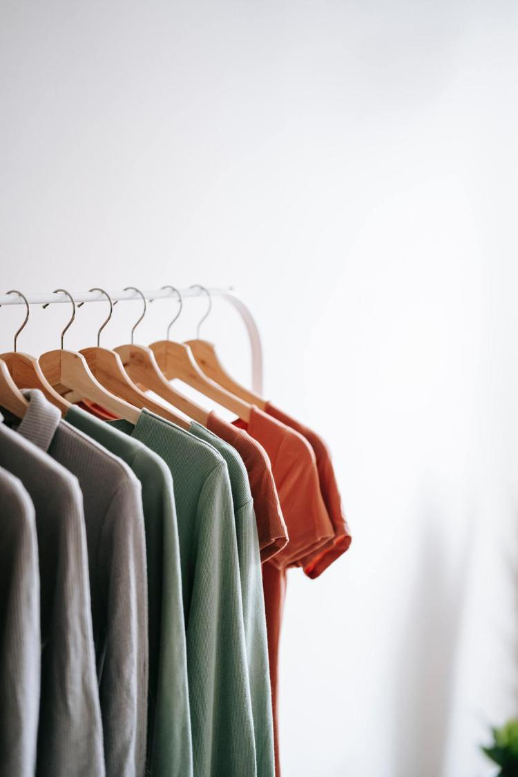 材質不好的衣服也可以淘汰了。圖/摘自Pelexs