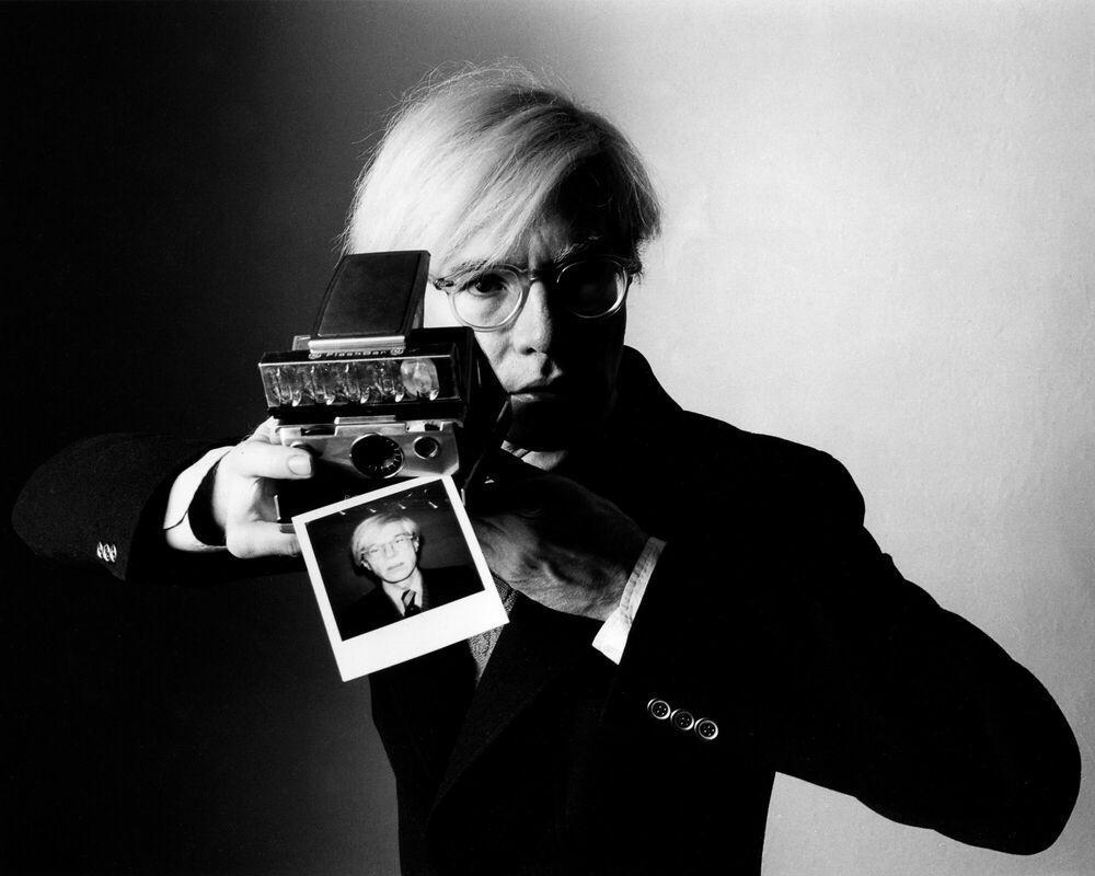 普普藝術大師安迪・沃荷(Andy Warhol)經典自拍影像。 圖/Yellow...