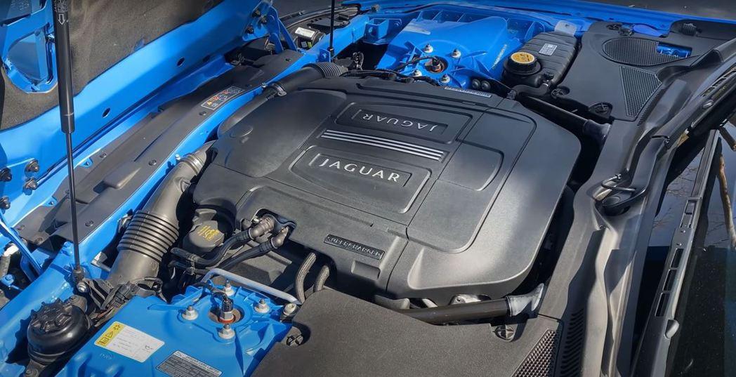 5.0升V8機械增壓引擎,可產生550hp的馬力和69.1kg-m的扭力。 截自...