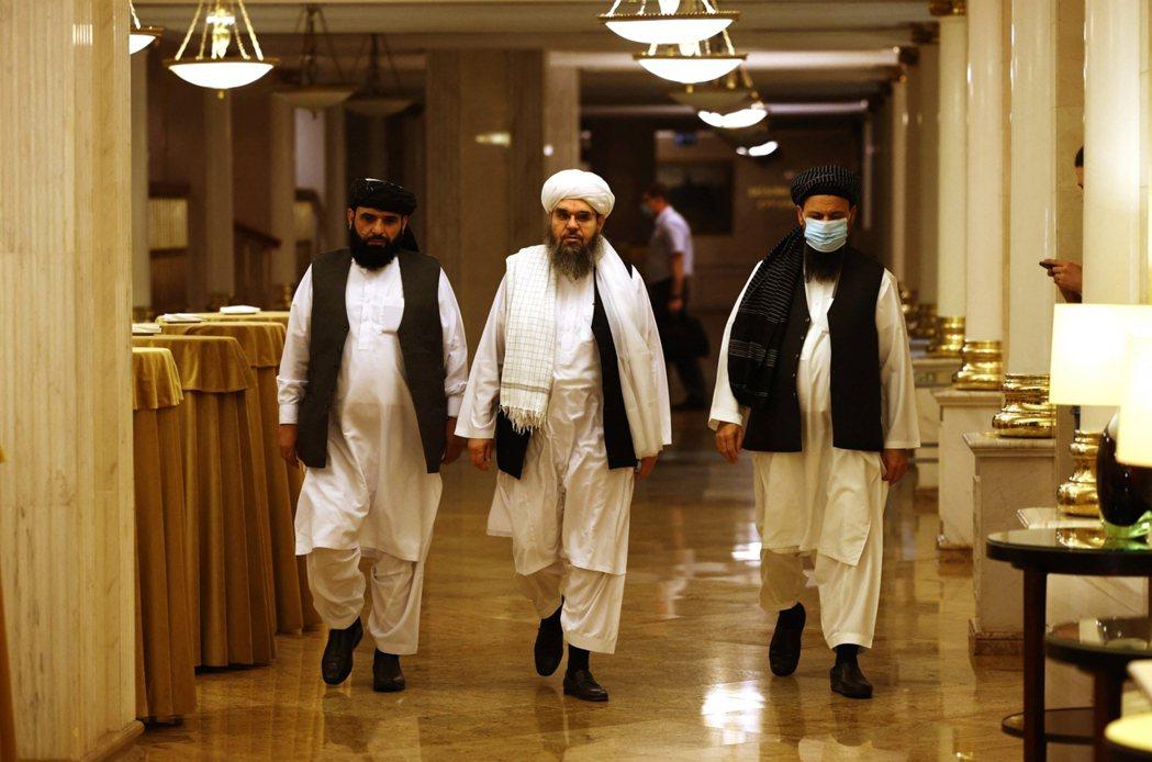 俄羅斯與塔利班在莫斯科會晤,雙方承諾控制不讓衝突延伸至境外,而塔利班則重申尊重阿...