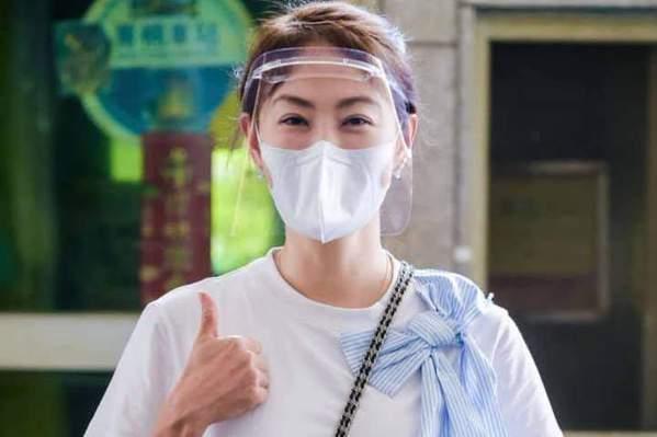 賈永婕四處為醫院奔走,受封「防疫女神」。圖/摘自臉書